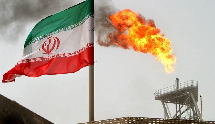 تساؤلات وراء اصرار ترامب تصفير صادرات النفط الايراني