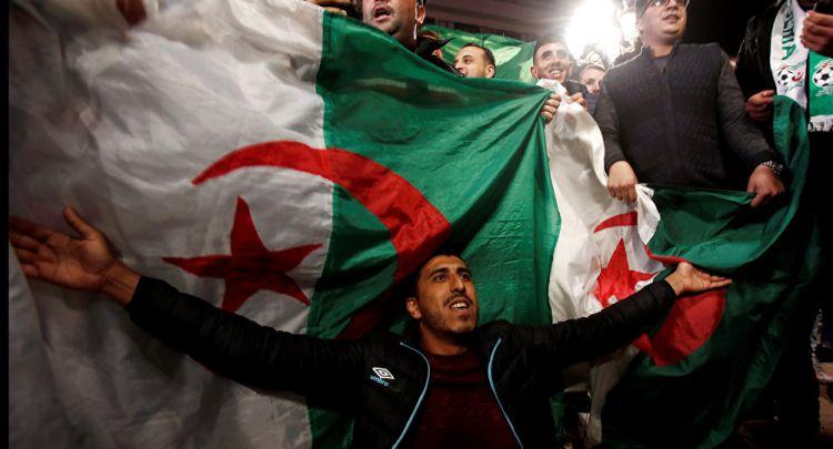 رئيس الحكومة الجزائري الأسبق: إنقاذ البلاد من المخاطر يتطلب هذه الإجراءات