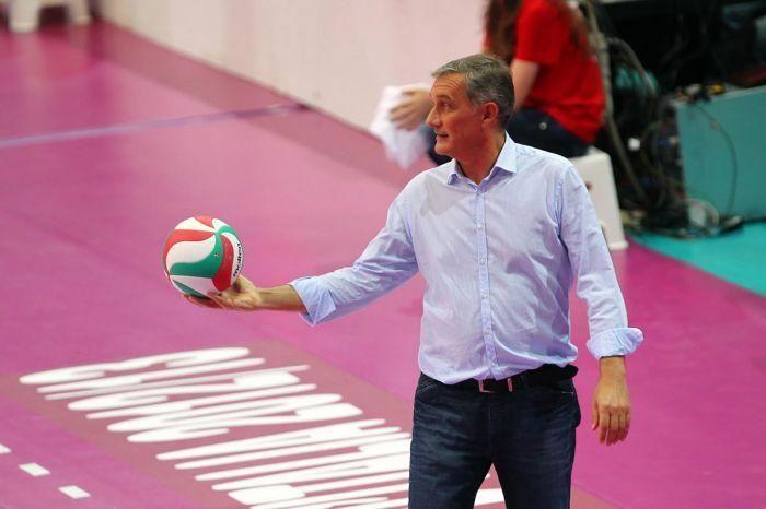 ru/news/sport/367337-sbornuyu-azerbaydjana-budet-trenirovat-tchempion-mira