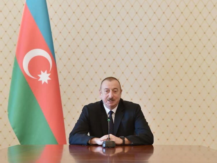 الرئيس الأذربيجاني يجتمع مع سفراء البلدا ن الإسلامية بمناسبة شهر رمضان المبارك