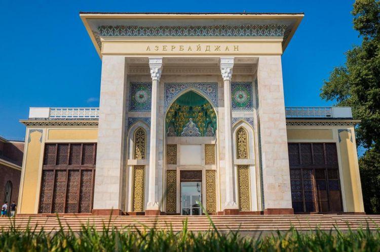 """Заканчиваются работы по реставрации павильона"""" Азербайджан"""" на ВДНХ"""