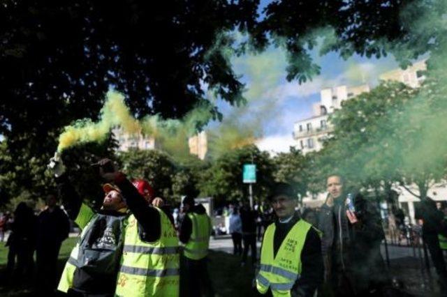 """بضعة آلاف من محتجي """"السترات الصفراء"""" يتظاهرون في فرنسا للسبت الـ27 على التوالي"""
