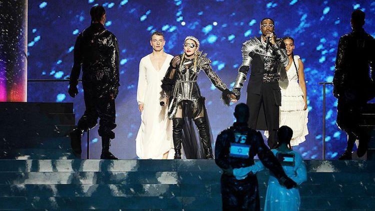 az/news/culture/367543-madonna-ve-islandiyalilar-eurovisionun-finalinda-felestin-bayragi-numayis-etdiribler