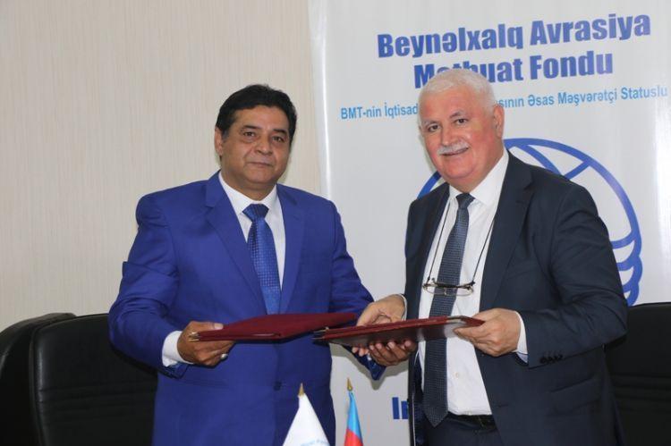 Azərbaycan və Pakistan media qurumları Anlaşma Memorandumu imzaladı - FOTOLAR