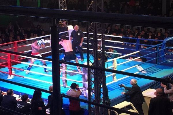 az/news/sport/367840-bokscular-eyni-anda-nokaut-oldu