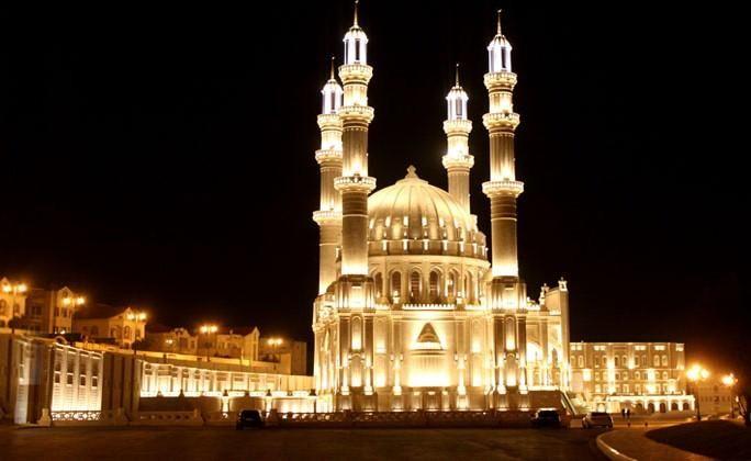 Сегодня ночью будет отмечаться первая ночь Гадр (ахья) Рамазана.
