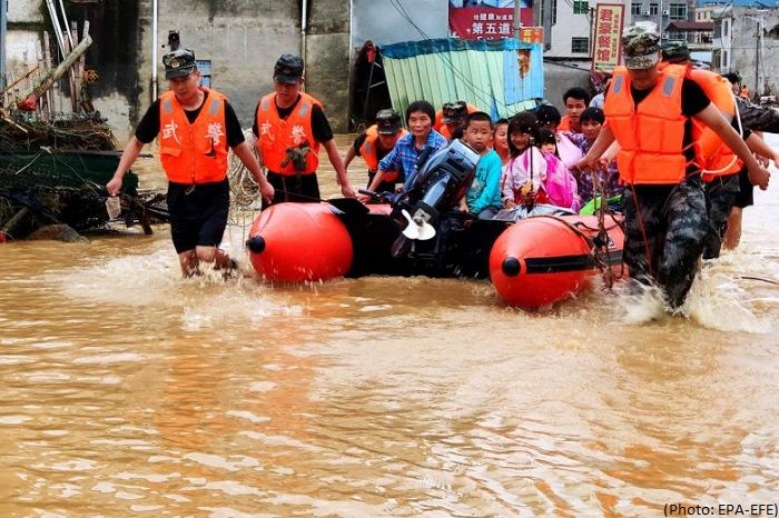 China flood death toll hits 61, 350,000 evacuated - Ministry