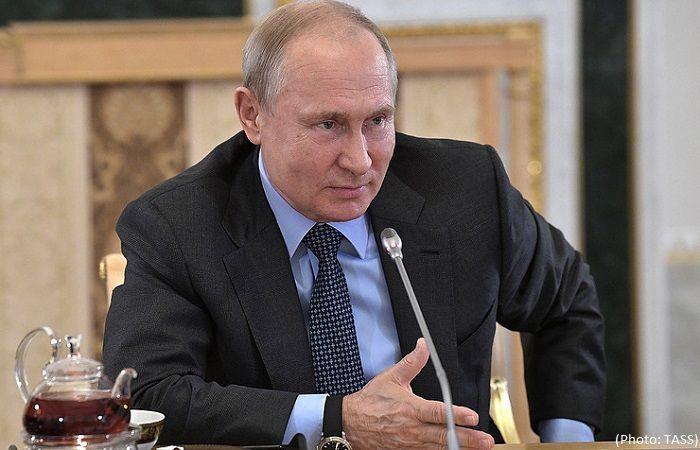 Putin hit Georgia by banning airlines