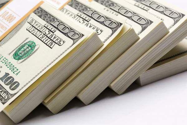 عظمة الدولار أم نيران الارهاب الاقتصادي