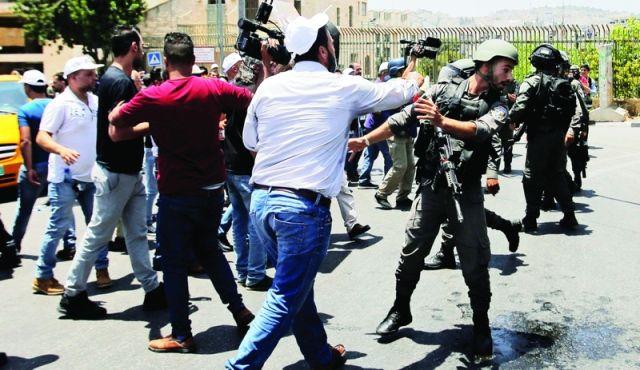 12 جريحاً فلسطينياً بنيران الاحتلال شمالي غزة