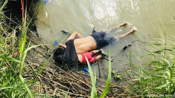 Migrant father and daughter found dead in Rio Grande - As US immigration head resigns