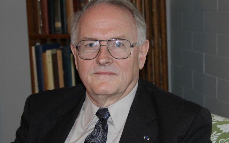 """""""Yakın Gelecekte Daha Cesaretli Rusya Gözlemlenecek"""" - Amerikan politikacı Pol A. Qobl - Röportaj"""
