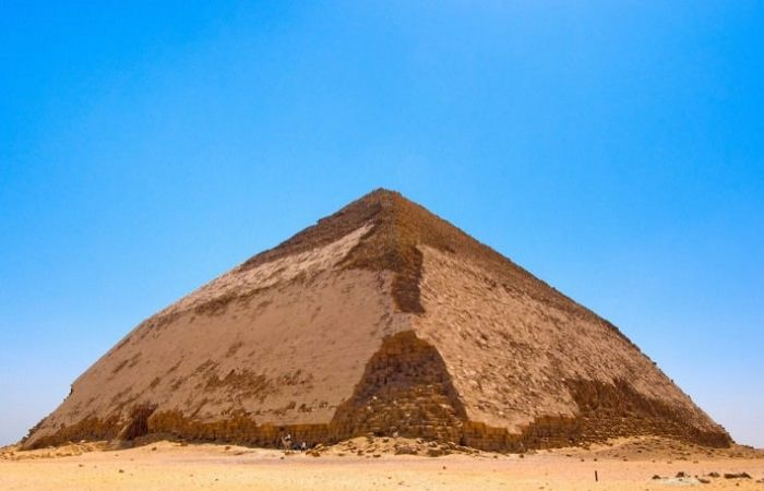 en/news/culture/376176-egypt-allows-public-visits-to-bent-pyramid-first-time-since-1965