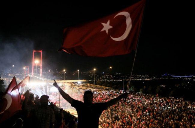 """""""Türkiyə bütün dünyaya sübut etdi ki..."""" - 15 iyul gecəsinin canlı şahidi"""