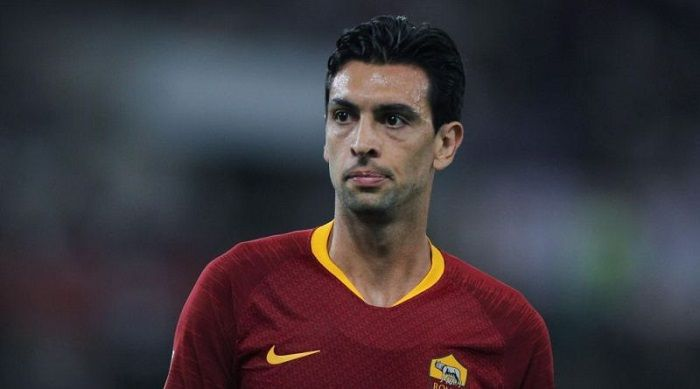 en/news/sport/376402-roma-midfielder-turns-down-milans-deal