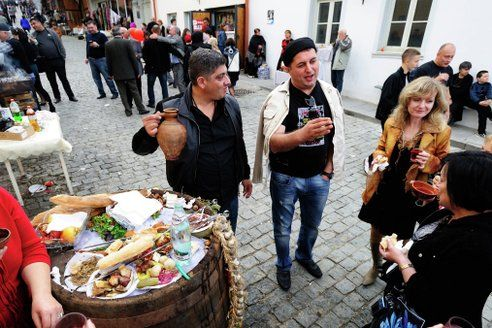 Оставшиеся в Грузии российские туристы рассказали, как к ним относятся