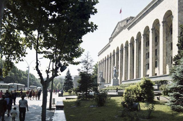 «Родина миллионеров». Как Советский Союз холил и лелеял Грузию