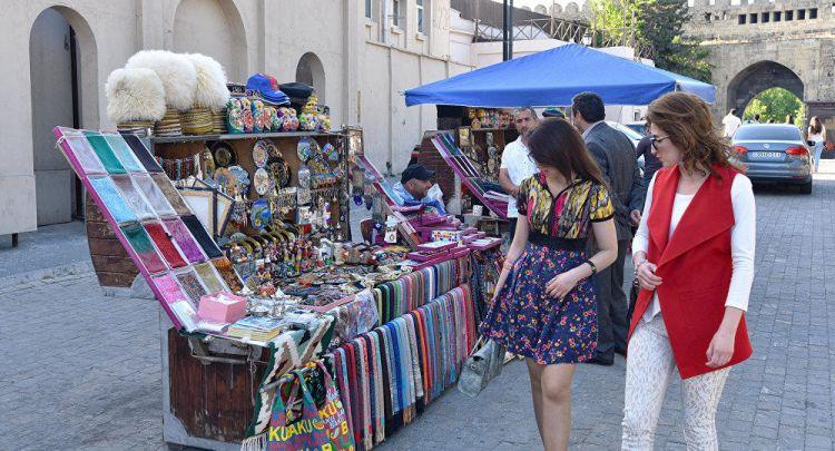 В Азербайджане число иностранных туристов выросло на 6%