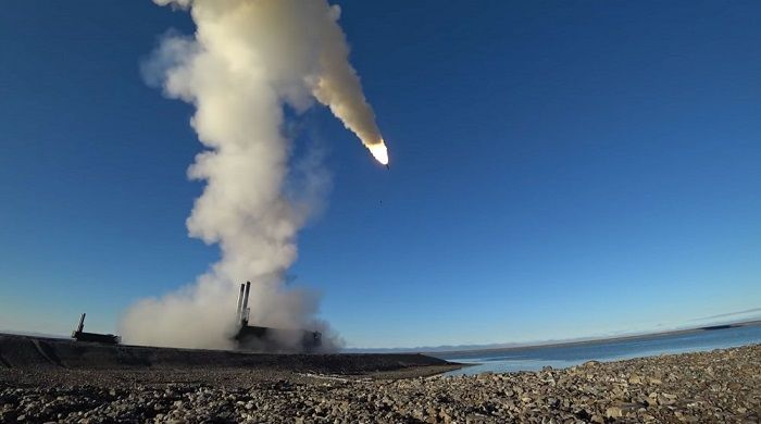 Russia conducts test of new anti-aircraft missiles in Arctic regions - VIDEO