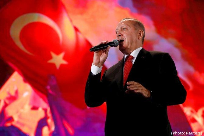 Turkish leader Recep Tayyip Erdogan faces new threat from former allies