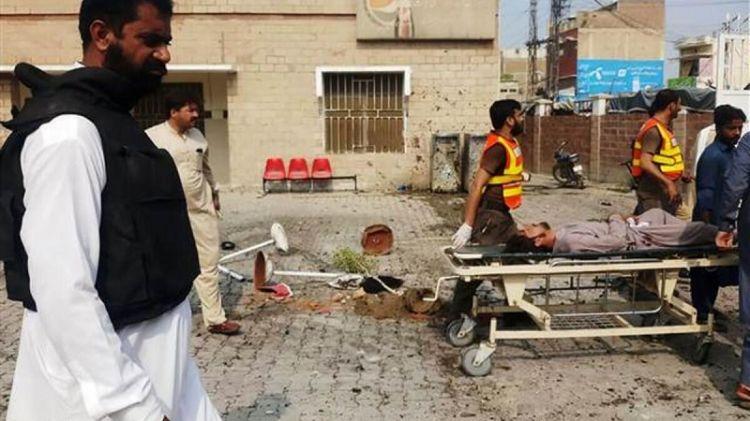 Pakistan'da bombalı saldırı - En az 8 ölü, 26 yaralıg