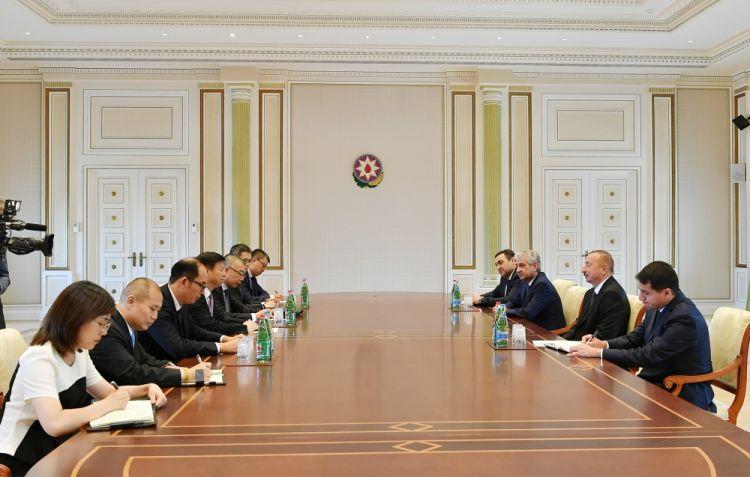 الرئيس إلهام علييف - يعد وصول قطار الشحن من الصين إلى أذربيجان مؤشراً على توفر إمكانيات جيدة للتعاون في قطاعي الاقتصاد والنقل