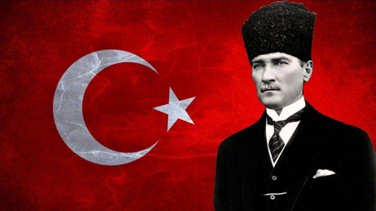 """""""Atatürk, hiçbir Müslüman devlet liderinin yapamadığını yaptı!"""" - Dünyaca ünlü film yönetmeni Andrey Konçalovskiy - VİDEO"""