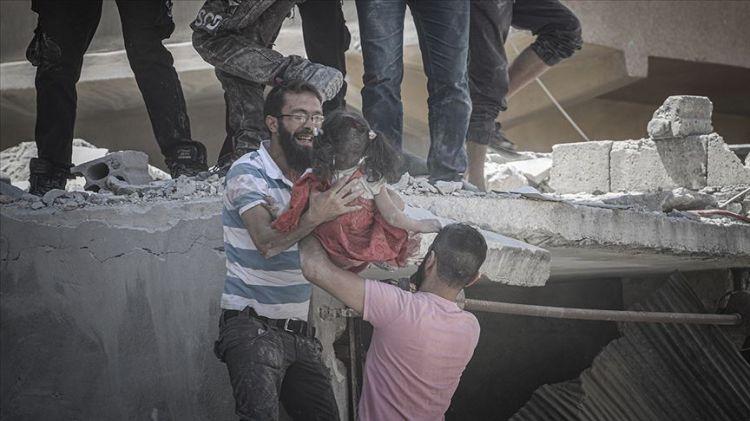 Esed rejimi İdlib'de sivilleri vurdu - 10 ölü