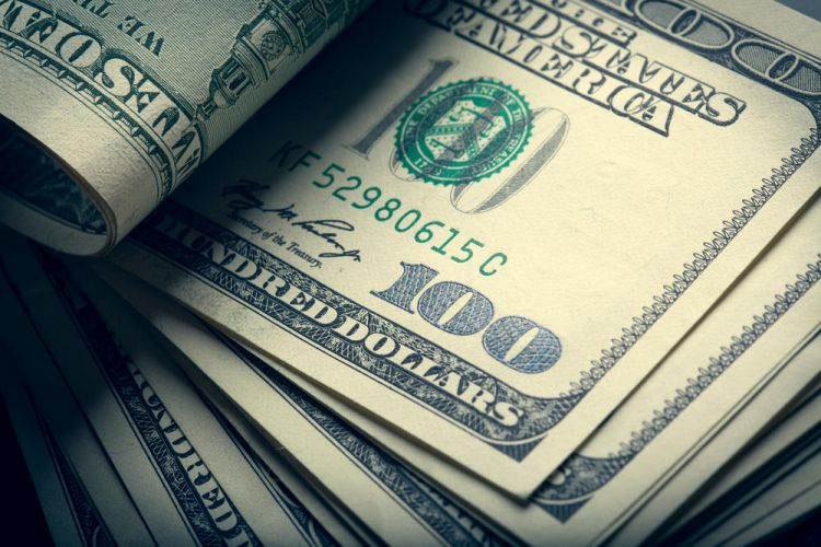 Богатейшие люди мира потеряли $18 млрд долларов за день
