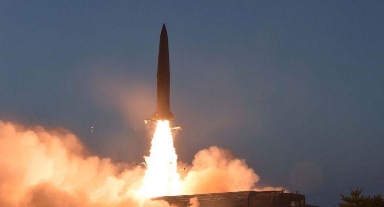 كوريا الشمالية تطلق مقذوفين لم تحدد طبيعتهما في بحر اليابان