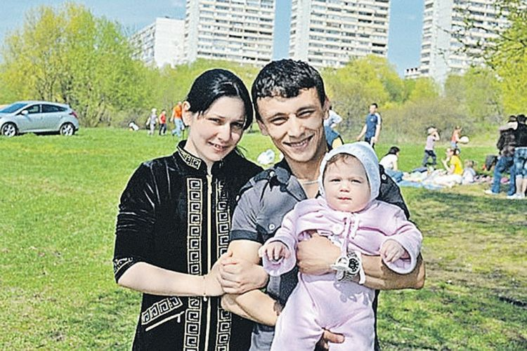 Валя Исаева ждет третьего ребенка