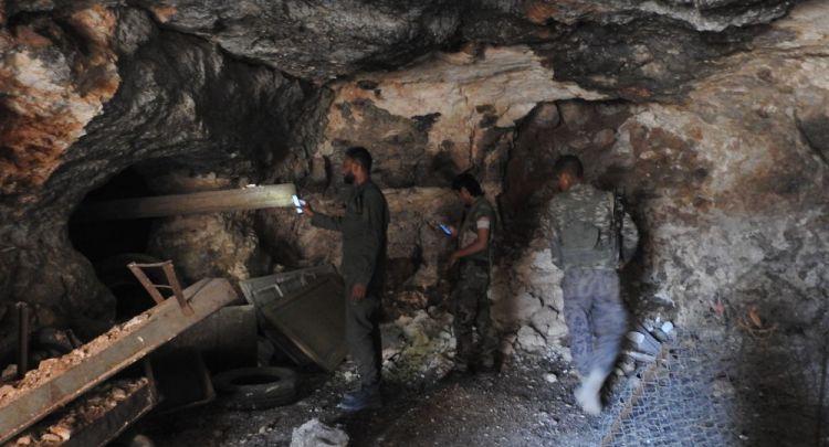 سبوتنيك داخل سراديب الإرهابيين أسفل بلدات ريف إدلب الجنوبي... - الفيديو