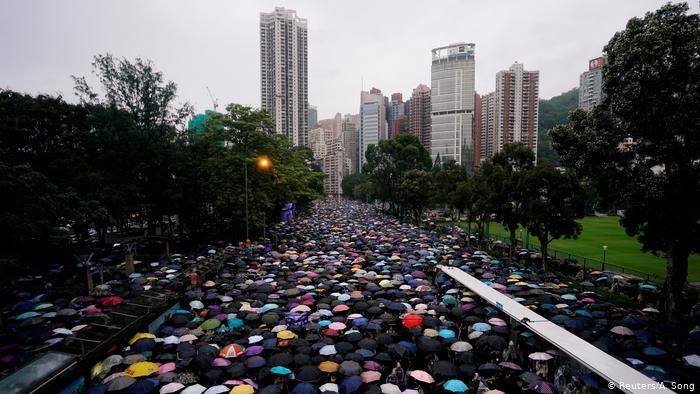 Twitter accuses China of anti-Hong Kong protest campaign
