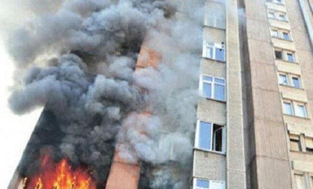 Пожар в многоэтажном здании потушен - ВИДЕО, ОБНОВЛЕНО - ВИДЕО