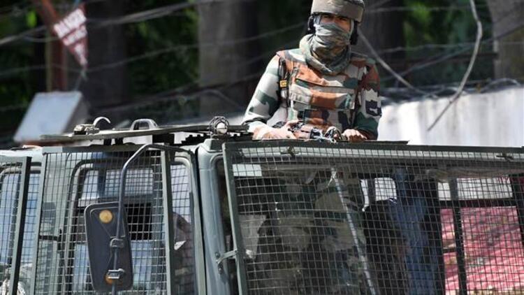 Cammu Keşmir'de çatışma çıktı - : 2 ölü