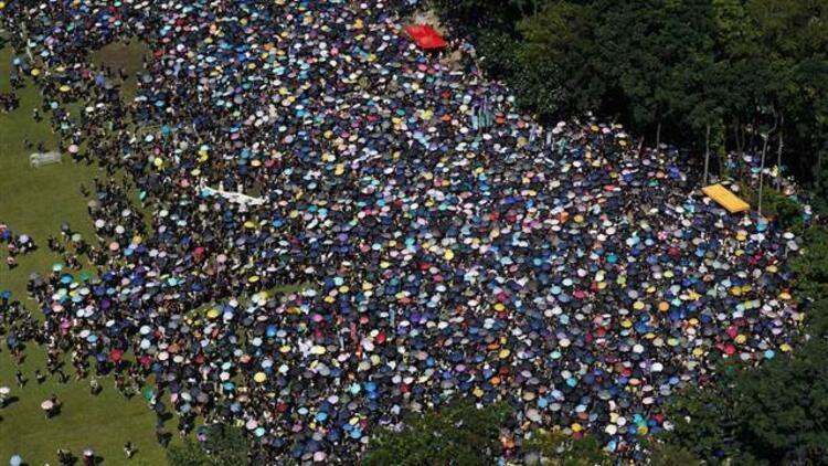 Hong Kong'daki protestolara devam - Hükümet üstündeki baskılar artıyor