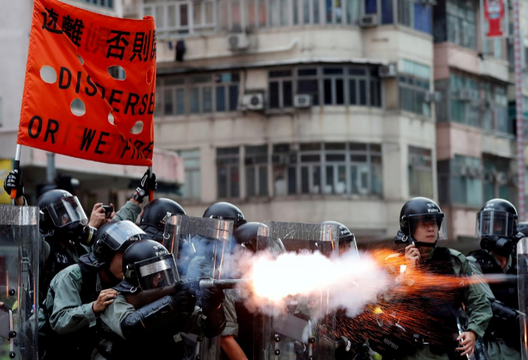 Frontline protesters make case for violence in Hong Kong protests - PHOTOS