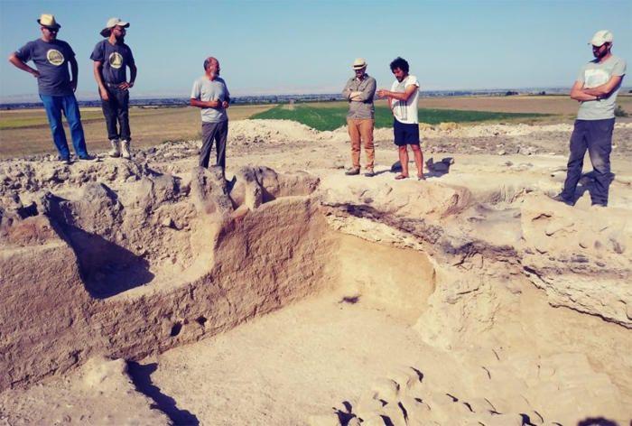 Археологи Азербайджана и Италии исследуют территорию Гянджи и Геранбоя