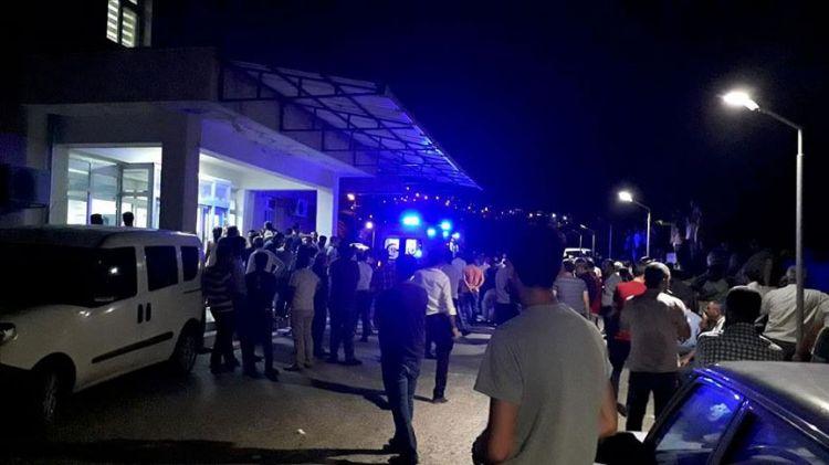 SON DAKİKA! Diyarbakırda sivillere hain saldırı! - 4 şehit, 13 yaralı