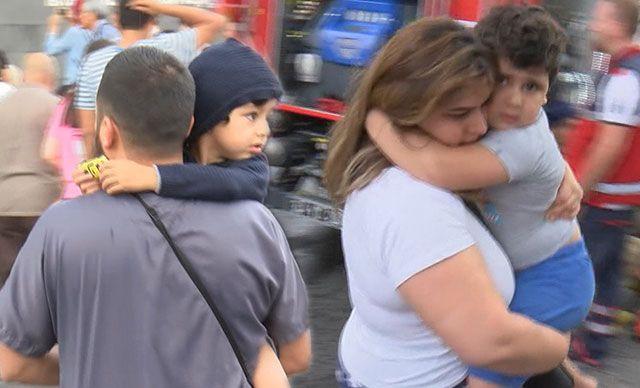 İstanbulda büyük panik! - Turistler sokağa döküldü