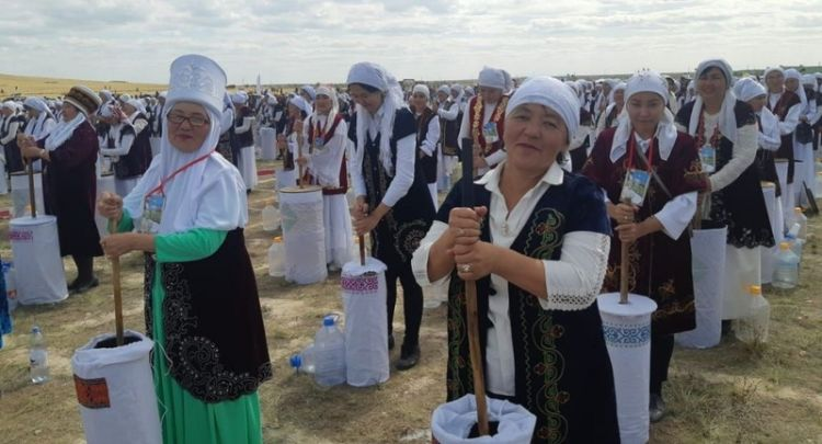 Kazakstan sets world record on kumis churning