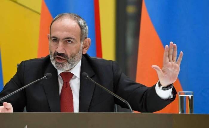 """Paşinyan """"Qarabağ Ermənistandır, nöqtə"""" şüarını təkrarladı və Brayzaya cavab verdi"""