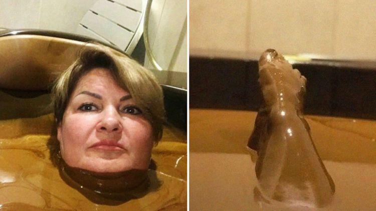 """Чиновницу из РФ  могут уволить за шутку  """"о ванне с шоколадом"""" в Азербайджане"""