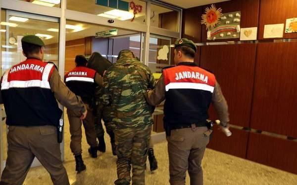 В Стамбуле снова задерживают военных