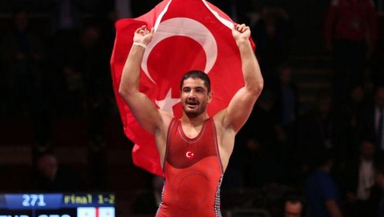 tr/news/sport/389342-dunya-sampiyonasinda-milli-gurescimiz-finalde