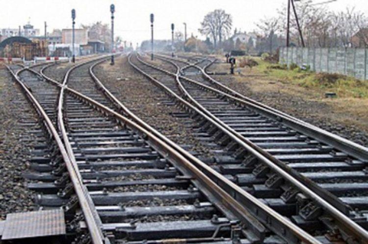 Армянская железная дорога останется без поездов