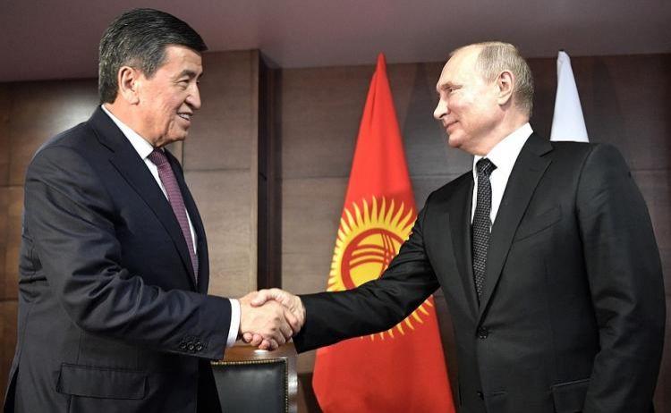 Vladimir Putin Qırğızıstan Prezidenti ilə görüşüb