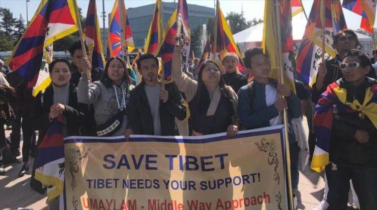 مئات من الأويغور والتبتيين يتظاهرون في جنيف ضد سياسات الصين