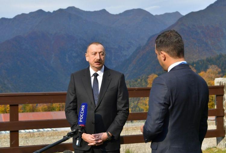 """İlham Əliyev Rusiya televiziyasına danışdı: - """"Mənim heç pasportum da yox idi"""" - FOTOLAR"""