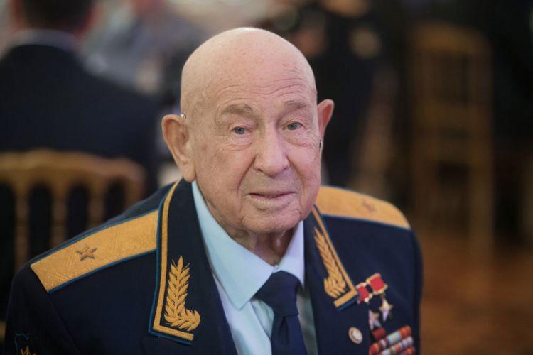 Умер космонавт Алексей Леонов - ФОТО